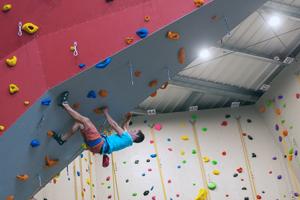 Thomas grimpe 18.09.03d 300x200